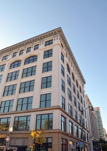 Lear Corporation, Detroit - Building Facade